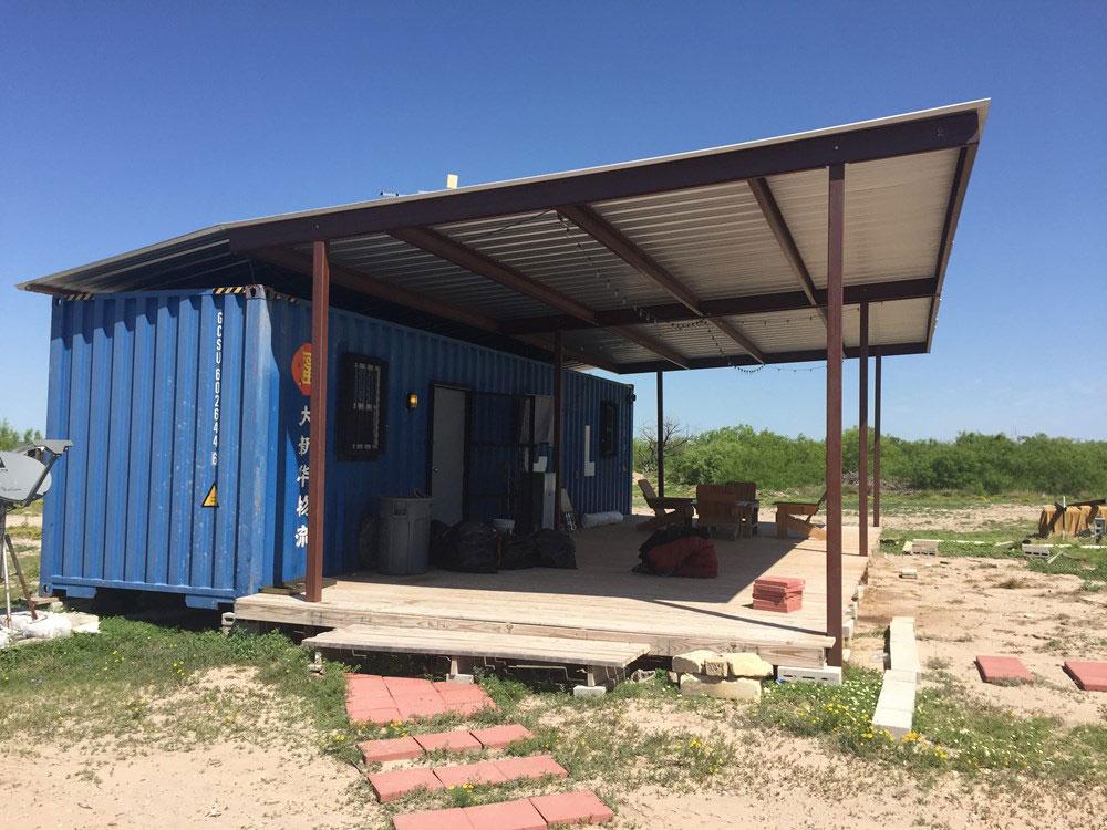 Kontejner za isporuku pretvoren u udobnu kuću